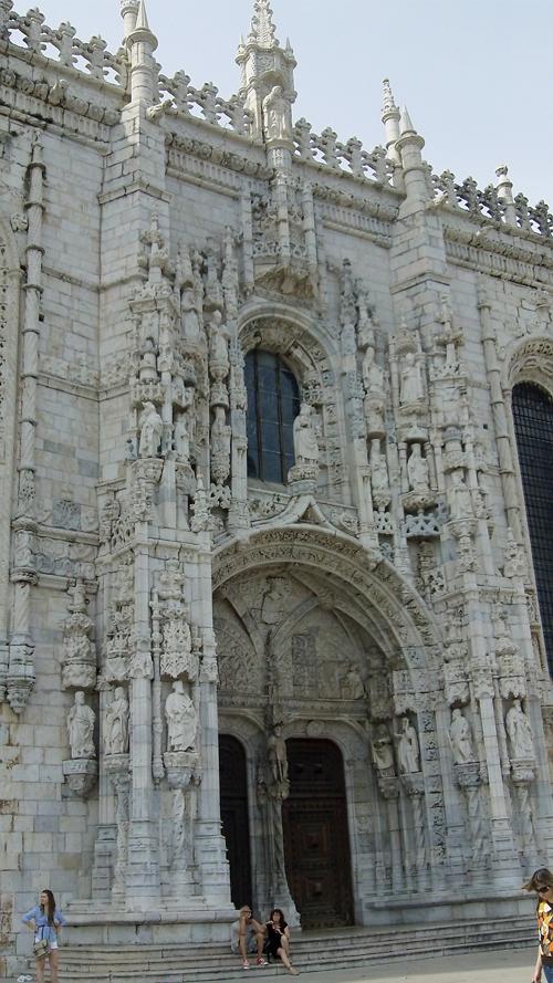 Facade of the Jerónimos Monastery